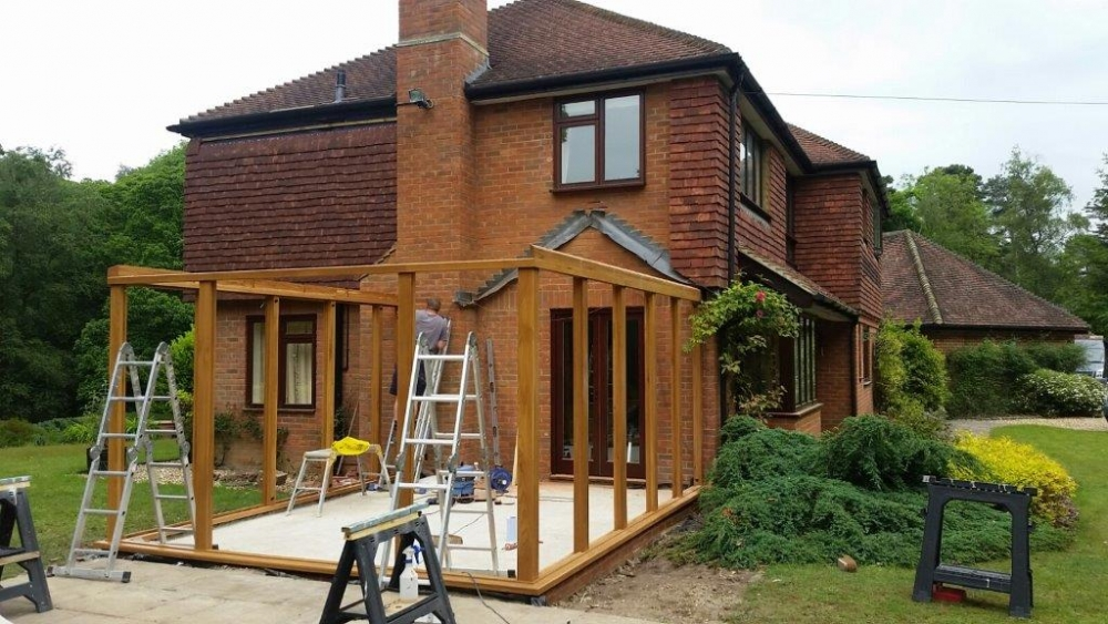 Austin-Contemporary-Oak-Conservatory-During-Construction-Farnham-Hampshire (4)