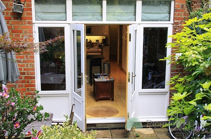 05_Charalambous_Oak_Orangery_outside_to_kitchen-211